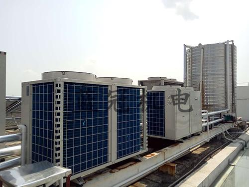 10P空气能热水器正反面大小样式,图片来源于珠海安生凤凰制药有限公司2台10P空气能热水工程